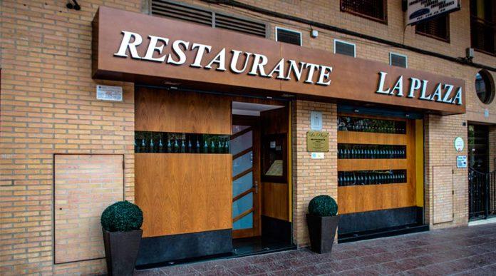 Restaurante La Plaza, restaurante de la ruta de regreso a la cuchara, iniciativa llevada a cabo por Comer en Valencia, Bodegas Sebirán y Montesa