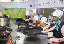 """Curso de paella en la """"Escuela de arroces y paella valenciana"""""""