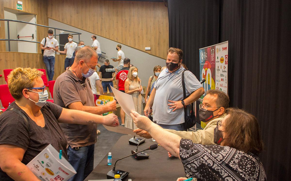Sueca acredita la elaboración de la Paella Valenciana a los restauradores locales